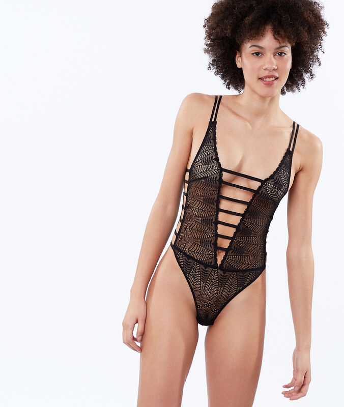 Open bodysuit in lace black.