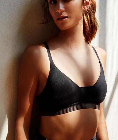 Sports bra, removable foam, light hold black.