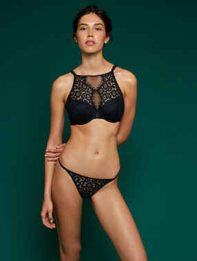 Bra no. 4 - lace padded bra black.