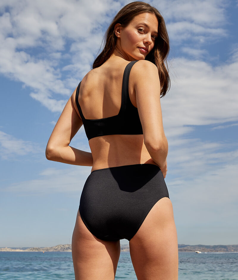 High-waisted surf shorts;${refinementColor}