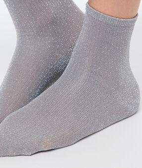 Chaussettes courtes métallisées gris.