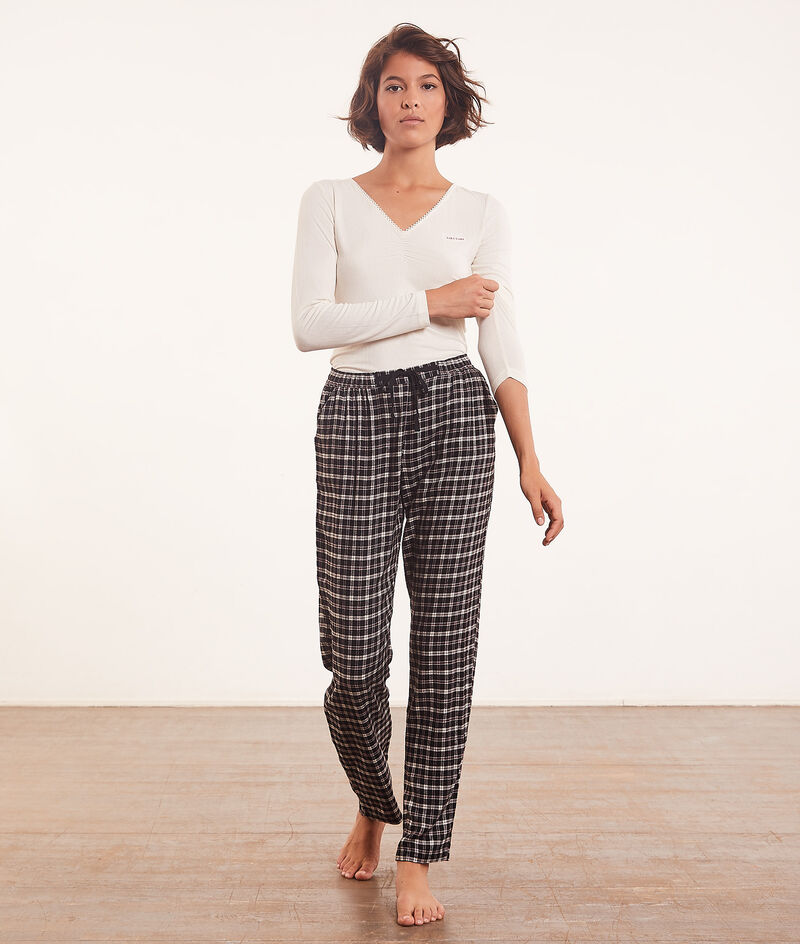 Checked pyjama bottoms ;${refinementColor}