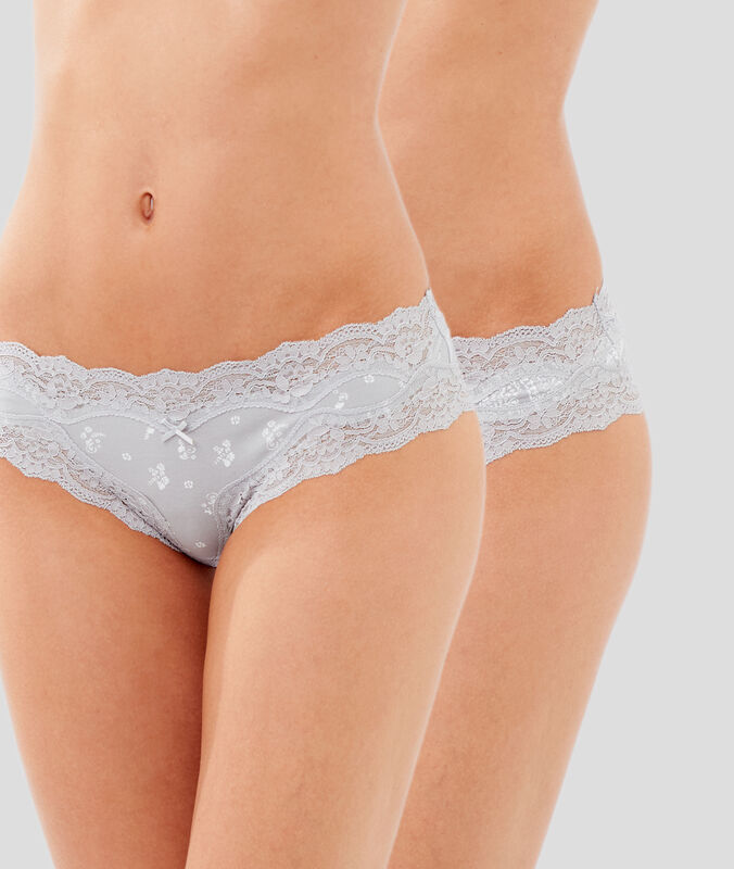 Pack of two lace-edged microshorts light gray.