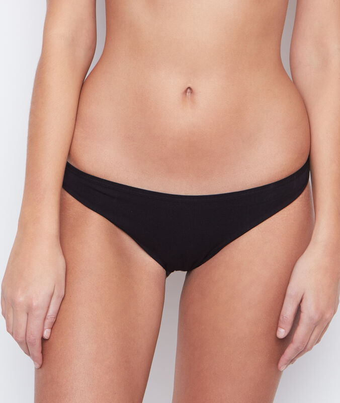 Cotton briefs black.