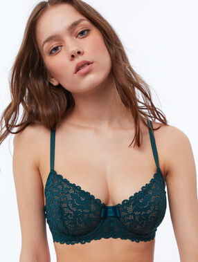 Non-padded lace bra fir.