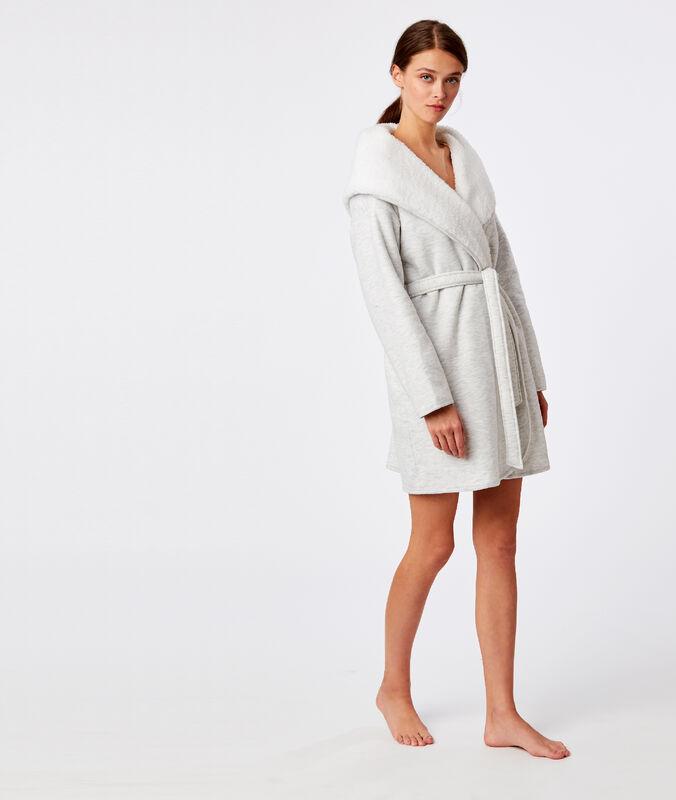 Déshabillé homewear à capuche gris.