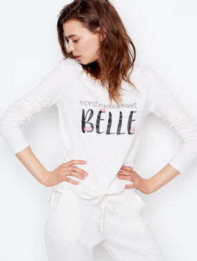 T-shirt white.