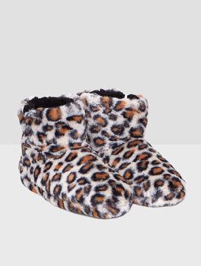 Leopard print faux fur booties beige.