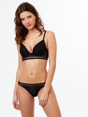 Lace and mesh knickers black.