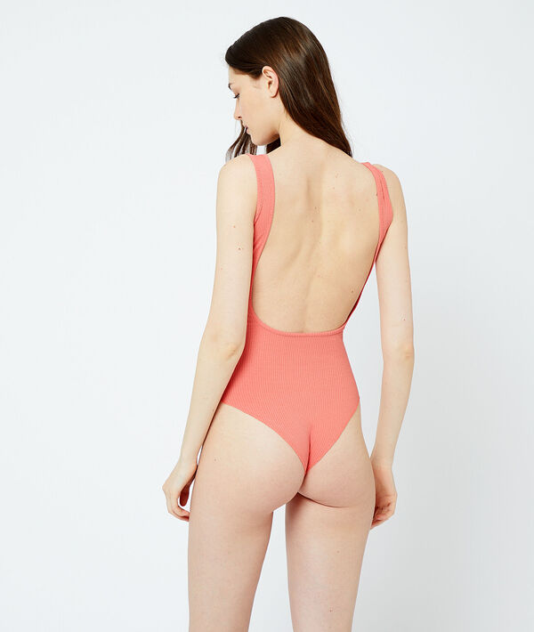 Ribbed body with plunge back;${refinementColor}