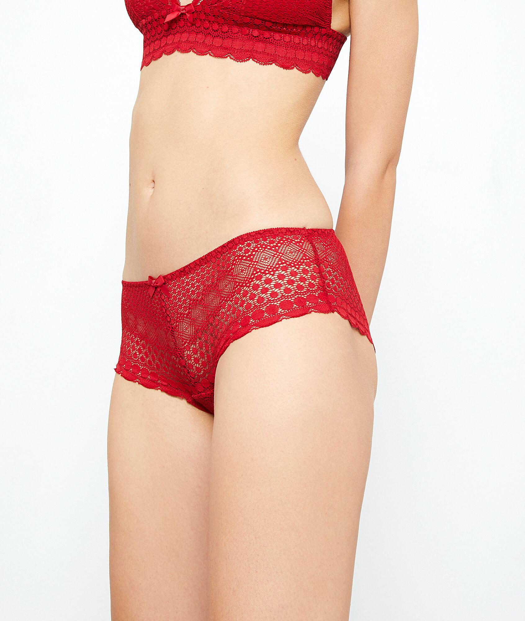 Lace shorty