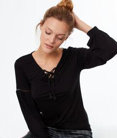 Lace-up top black.