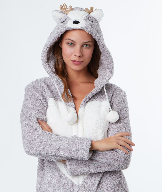 Combinaison pyjama cerf gris.