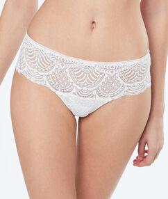 Lace tanga off-white.