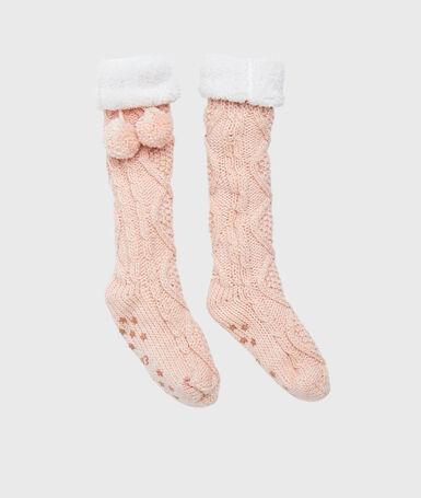 Interior socks rose.