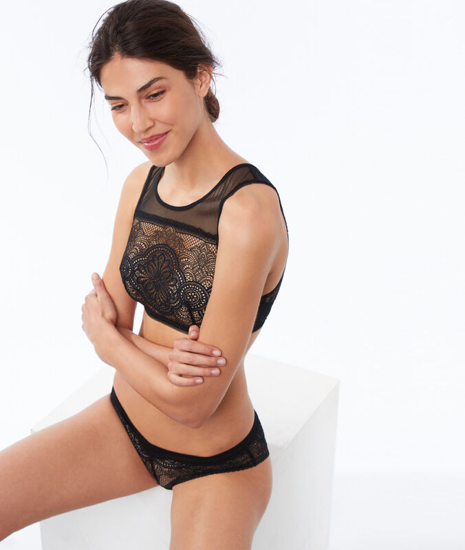Lace crop-top, open back black.