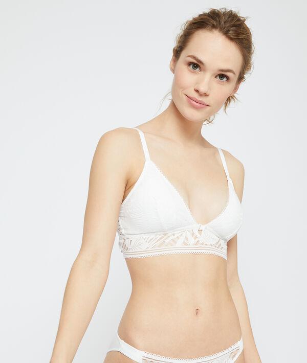 Non-wired triangle bra, removable pads;${refinementColor}