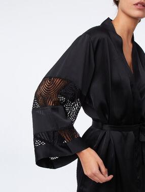 Satin kimono with lace sleeves black.