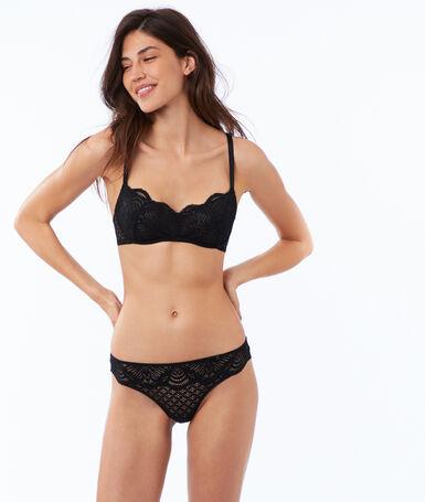 Non-padded lace bra black.