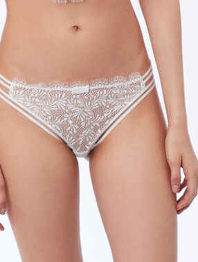 Lace briefs, ties on the side ecru.