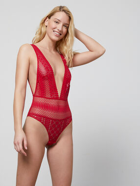 Lace body red.