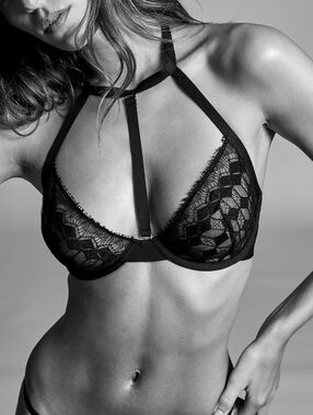 Demi-cup bra in fine lace, removable choker black.