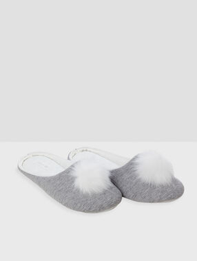 Tassel slippers gray.