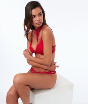 Bra n°2 - push-up bra with removable choker red.