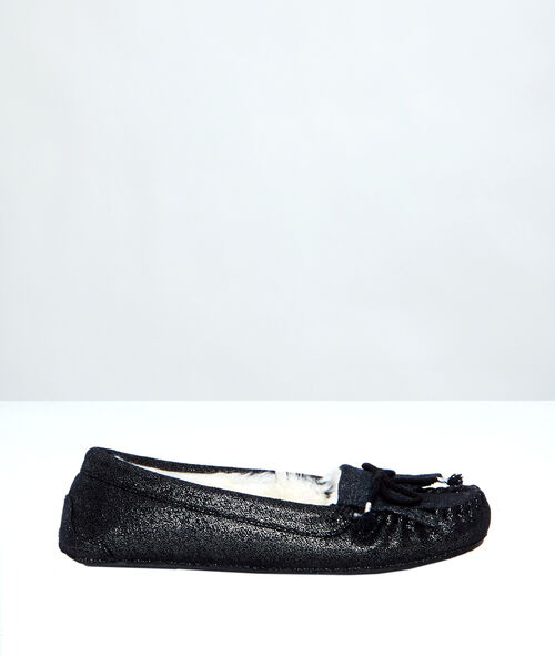 Lined moccasins