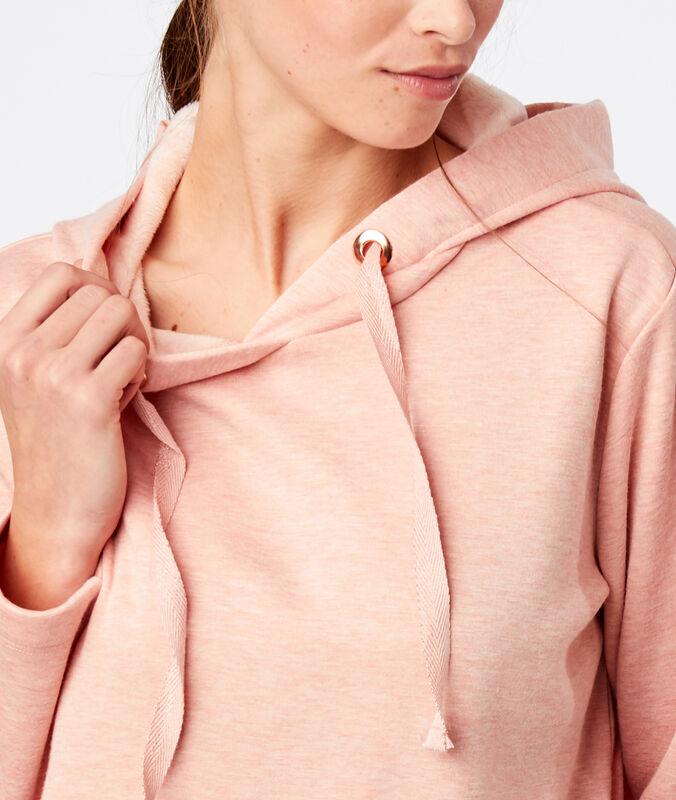 Sweat homewear à capuche rose.