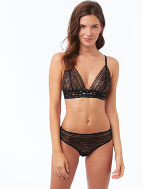 Non-wired triangle bra  black.