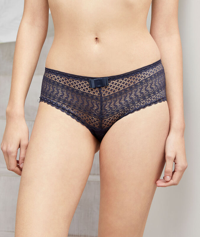 Lace shortys charcoal.