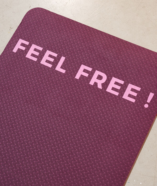 feel free' yoga mat;${refinementColor}