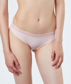 Knickers pink.