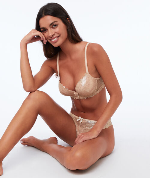 Bra n°1 - lace plunging push-up bra