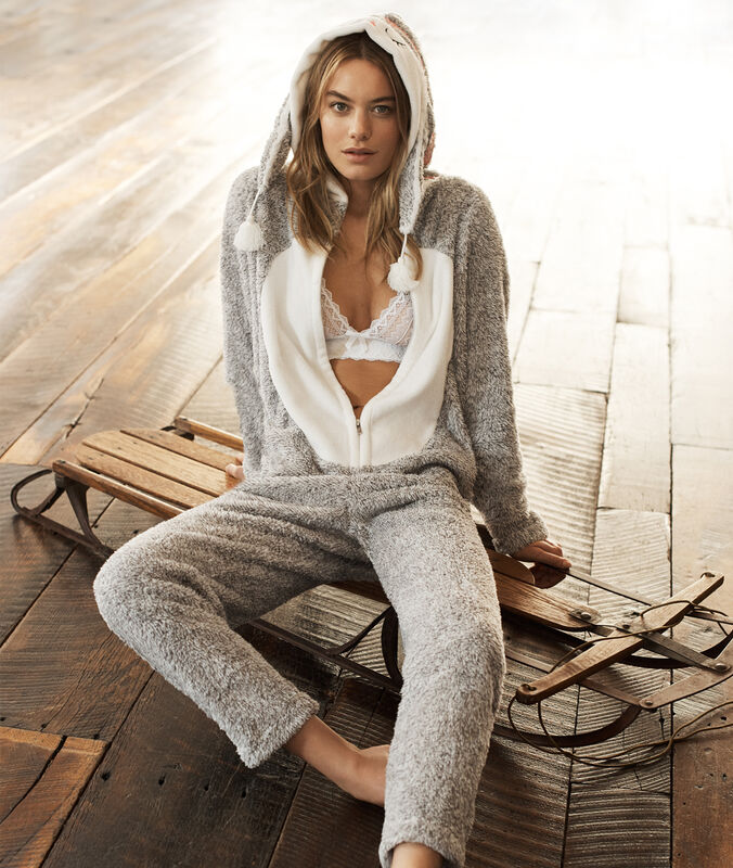 Combinaison pyjama chouette gris.