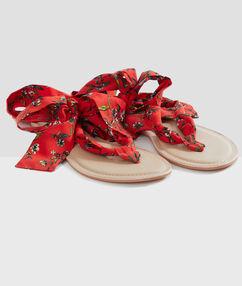 Beach sandals red.
