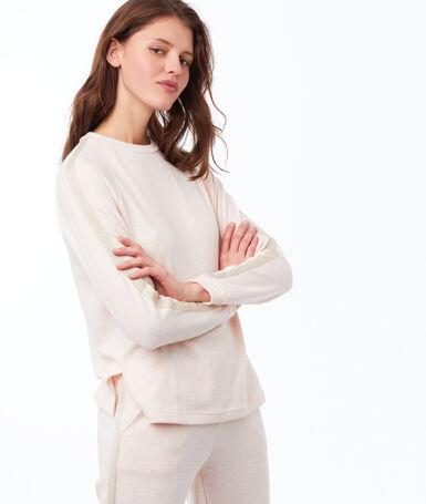 Long sleeves plain t-shirt pale pink.