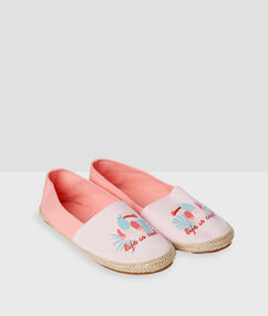Printed slippers pink.