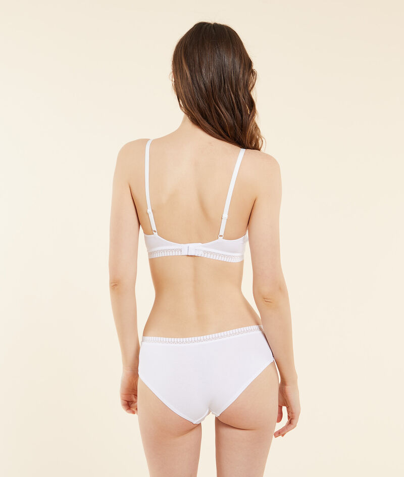 Non-wired organic cotton triangle bra with removable pads;${refinementColor}