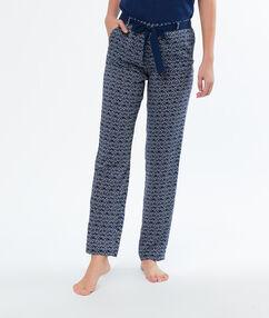 Pantalon pyjama bleu.