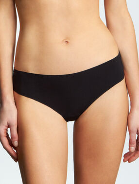 Laser cut thong black.