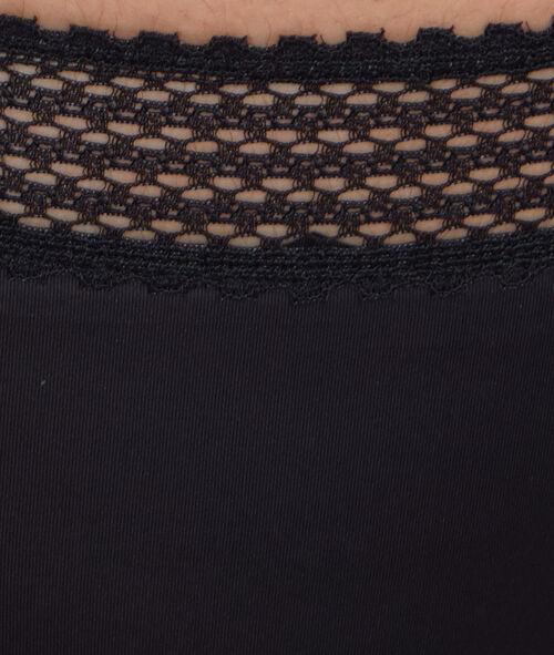 String aus spitze