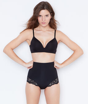 High cut briefs: level 3 - figure shaping black.