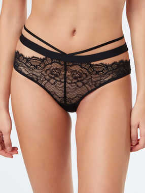 Lace shorts with fine strapping black.