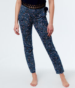 Printed pants blue.