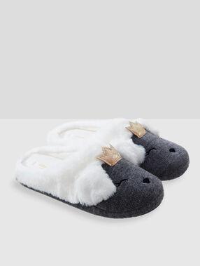 Animal slippers grey.