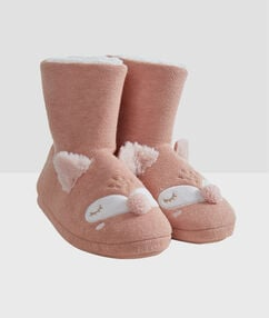 Boots slippers pink.