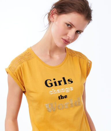 Message t-shirt yellow.