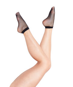 Fishnet ankle-length pop socks black.